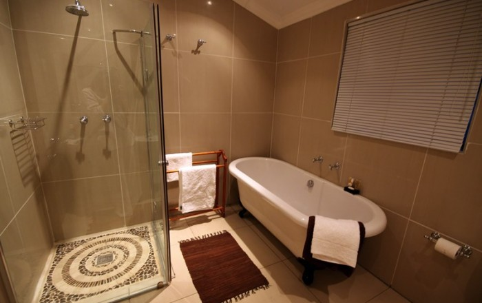 Luxury RoomBathroom