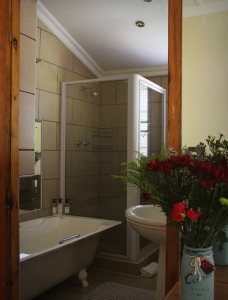 En-suite bathroom with Victorian Style Bath